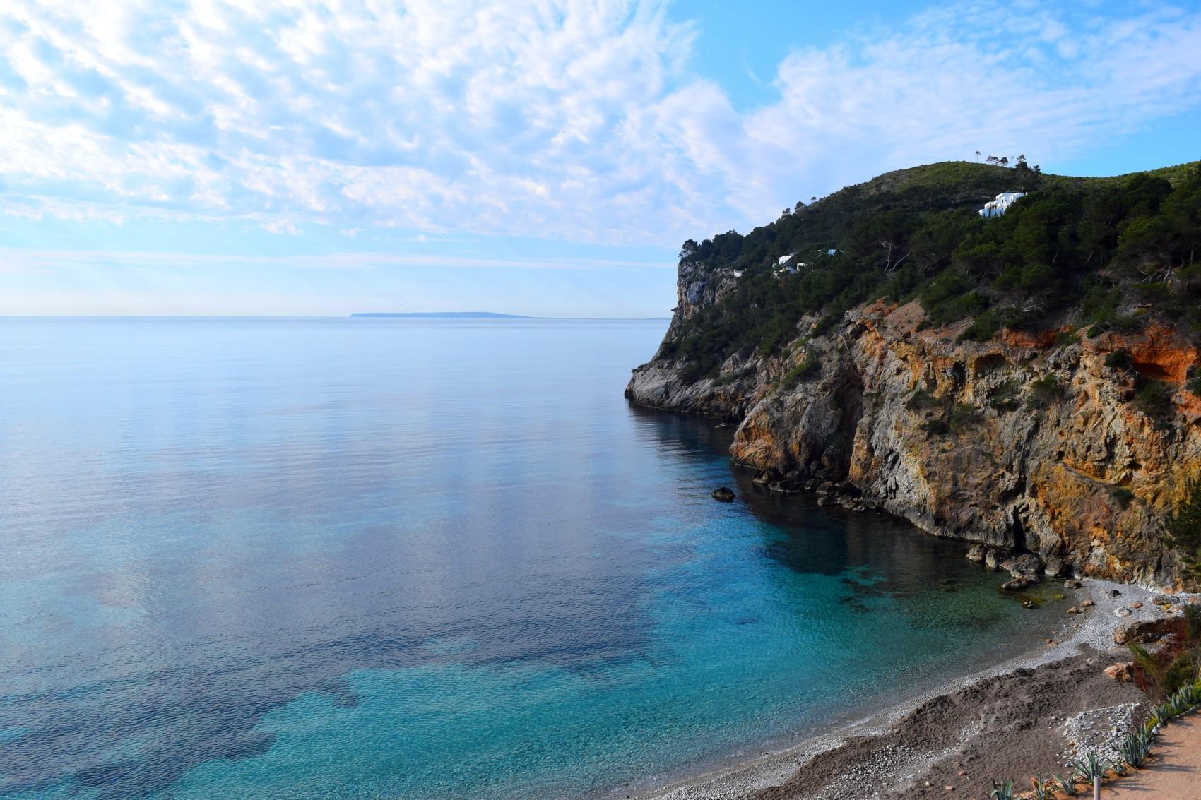 Ibiza en Avril : entre culture Hippy et paysages de rêve !